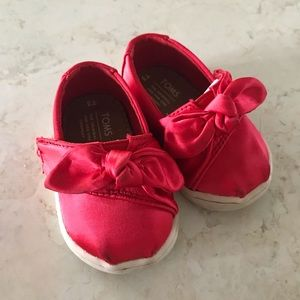 Red Satin Bow Infant Toms